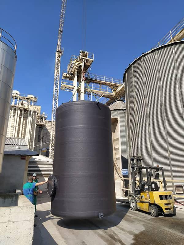 Deposito para almacenamiento de agua en industria de Murcia