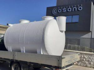 Depósito horizontal con patas para tratamiento de aguas residuales