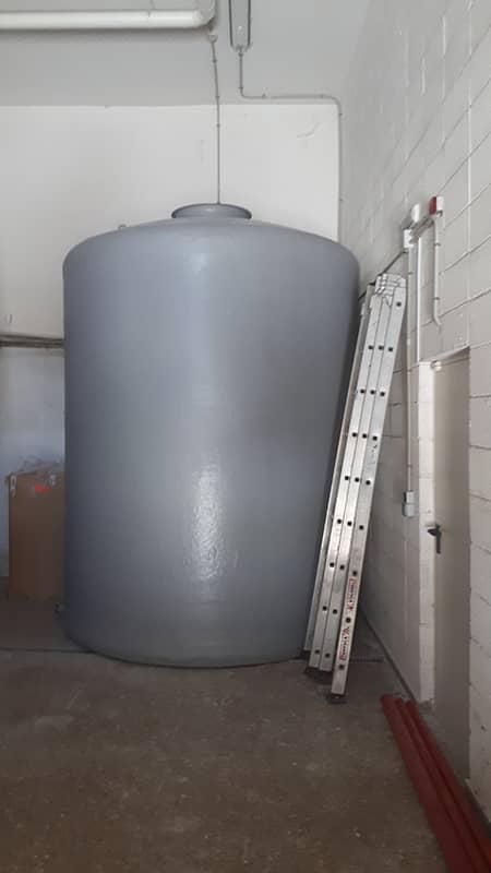Depósito vertical fondo plano para sistema PCI, montado in situ en Universidad de Granada