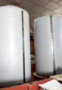 Depósitos para contener hipoclorito sódico para industria de productos de limpieza en Alcalá de Guadaira